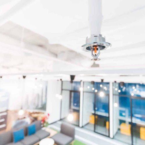 waterleiding sprinkler in plafond